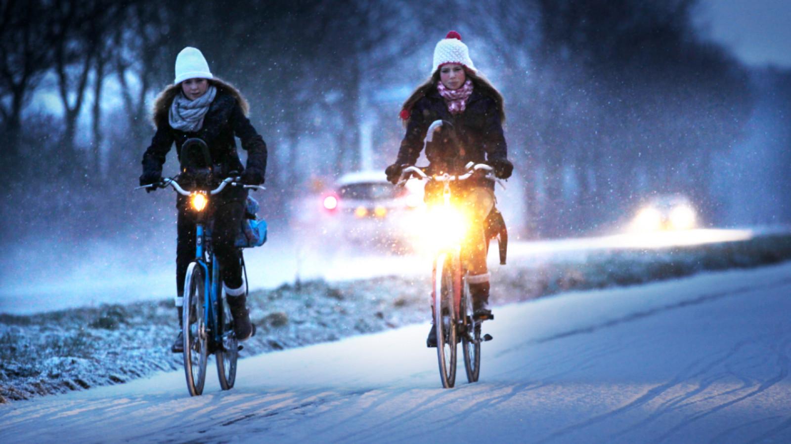 Licht Voor Fiets : Fietsen zonder licht: dit zijn de regels en boetes nh nieuws