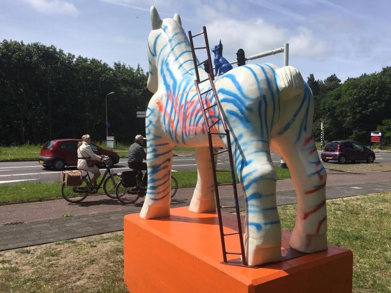 Standbeeld paard in Egmond I