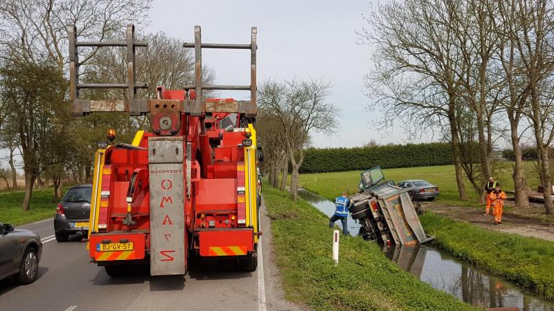 Vrachtwagen te water in Heerhugowaard IV