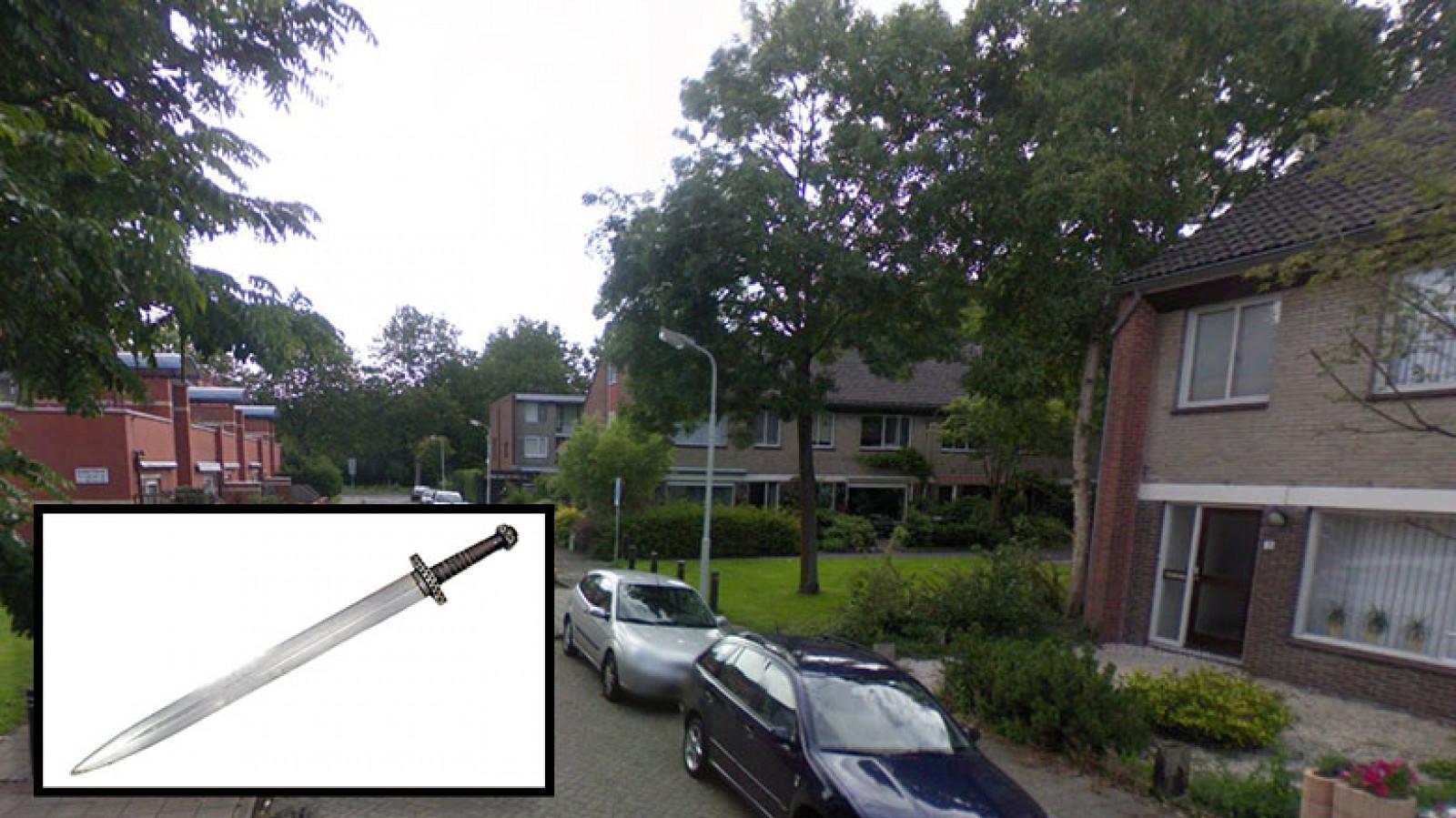 Zaandammer bedreigt buren met zwaard nh nieuws for Huis zichtbaar maken google streetview