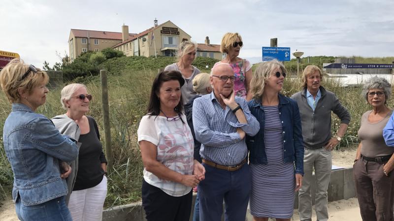 Petitie hoogbouw hotel Bergen aan Zee
