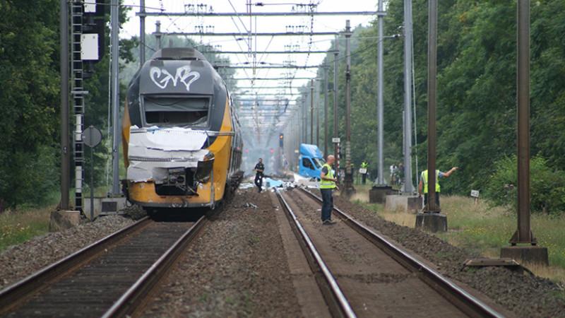 Meerdere gewonden bij ongeluk trein bestelbus botsing Heiloo