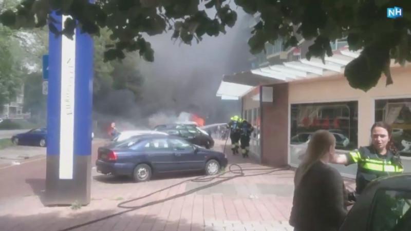 Auto's branden uit in Heemskerk