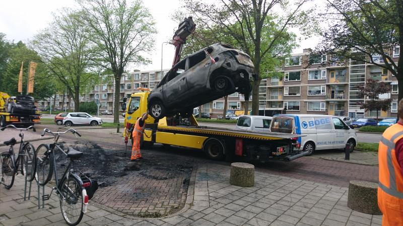 Uitgebrande auto Heemskerk weggetakeld