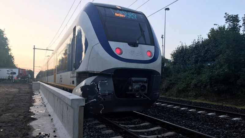 Botsing trein vrachtwagen Hilversum