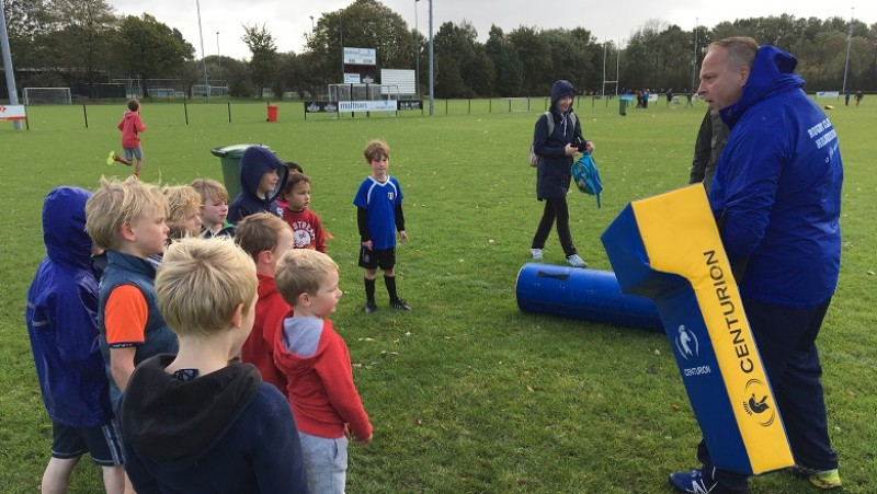 Kinderen rugbyen vanwege staking