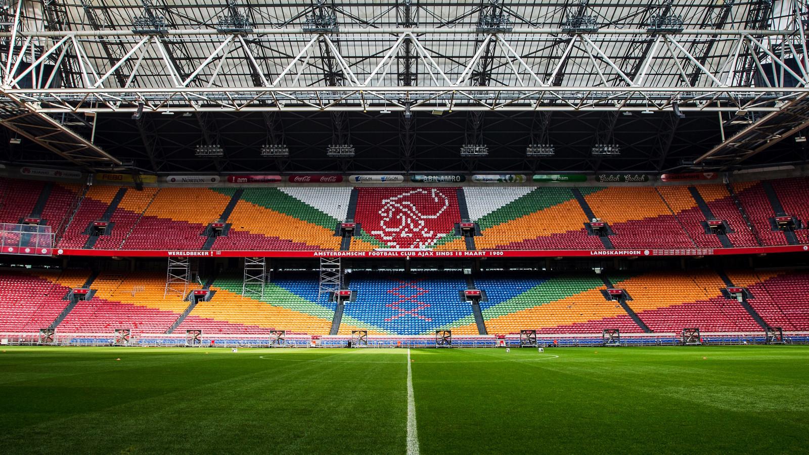 Oude Stoelen Te Koop.Oude Stadionstoeltjes Uit Amsterdam Arena Te Koop Nh Nieuws