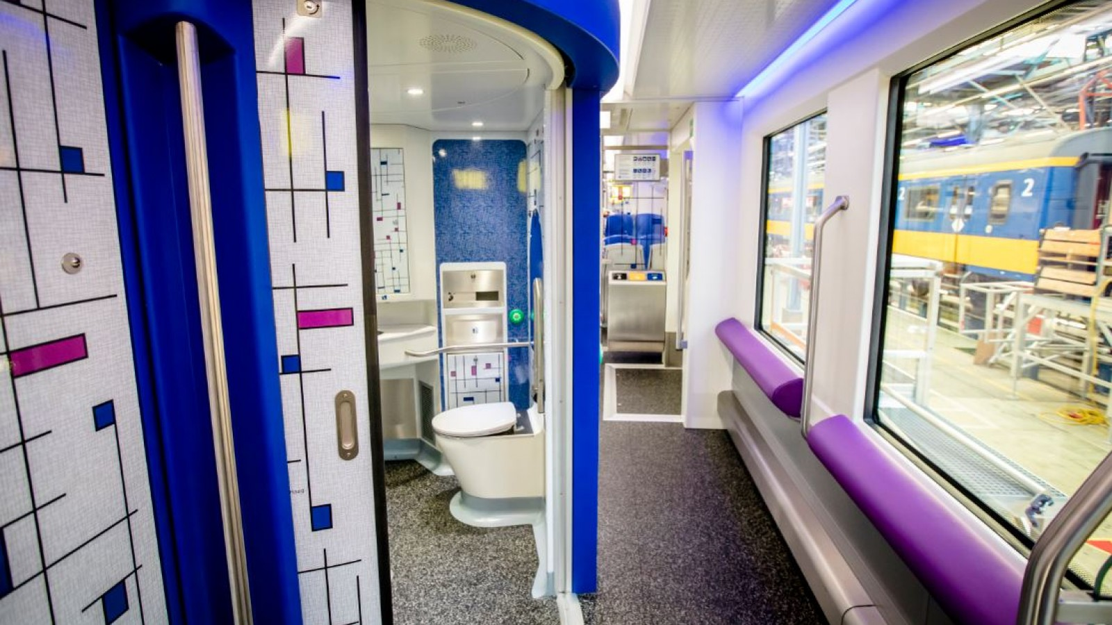 Geen Toilet In Sprinter.Ombudsman Openbaar Vervoer Wil Toilet Op Alle Stations En In