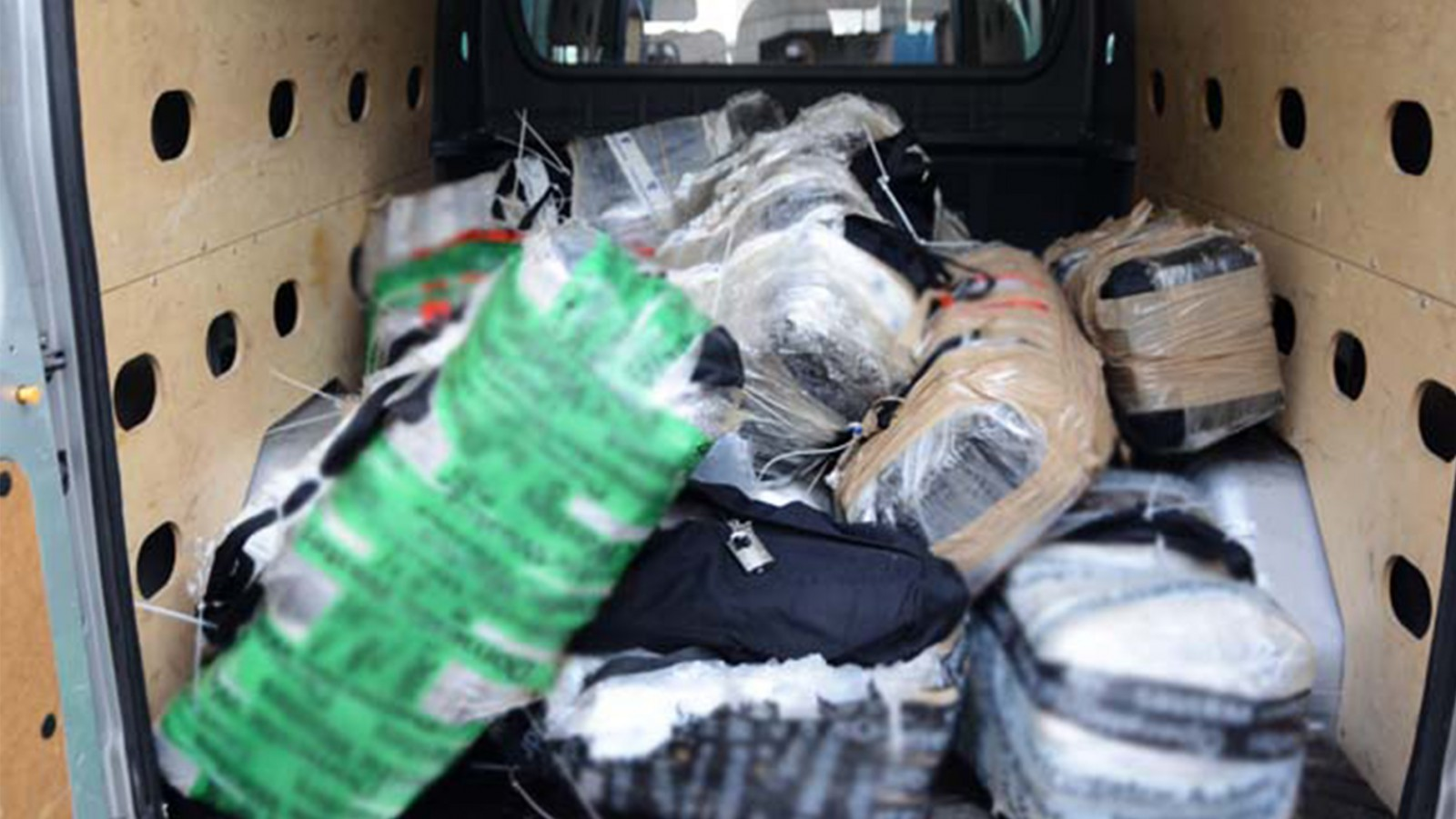 Landelijk Parket Rotterdam : Zeven jaar cel voor kapitein voor cocaïnesmokkel nh nieuws