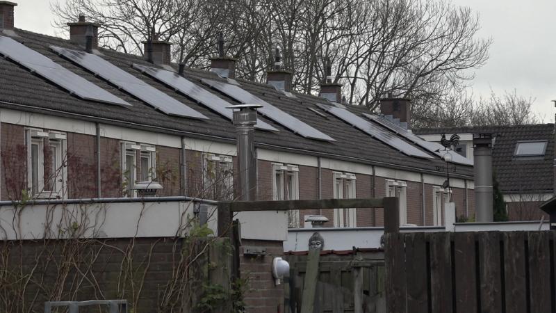 De eerste buurtbatterij van Nederland staat in Rijsenhout.