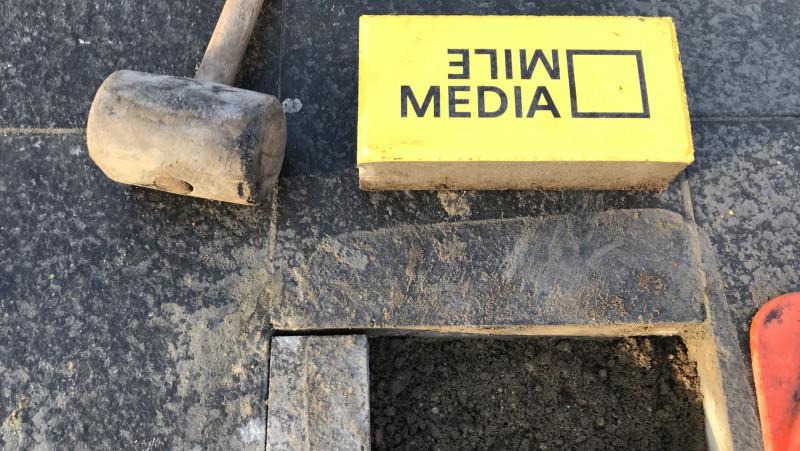 De eerste steen voor de Hilversumse mediaroute ligt klaar