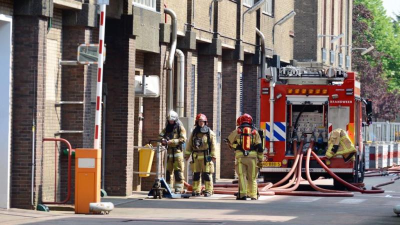 Brand bij fabriek Zaandijk