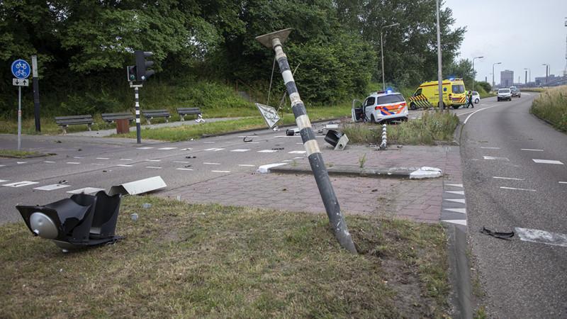 Politieauto gecrasht in IJmuiden