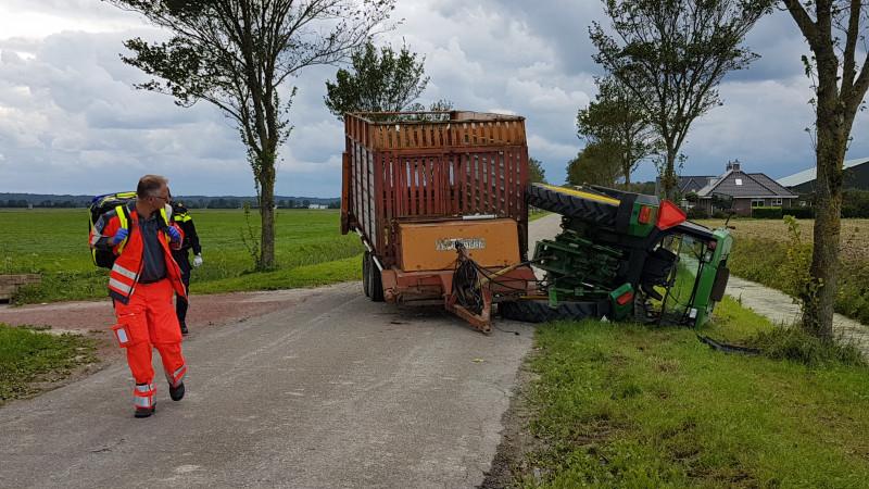 Ongeluk met tractor Warmenhuizen