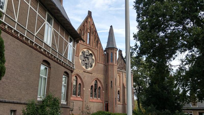 Kerk Amstelveen flink beschadigd bij brand