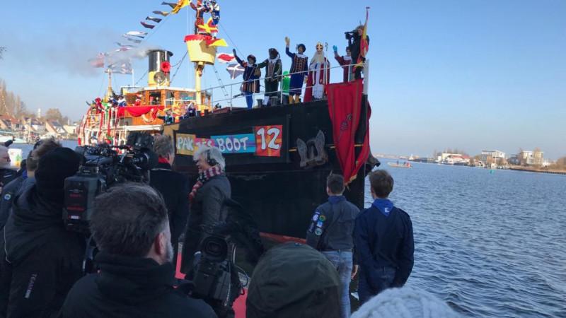 Sinterklaas komt aan in Zaanstad
