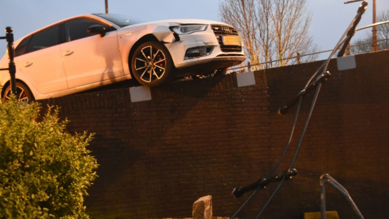 Auto ramt brugleuning in Oosthuizen