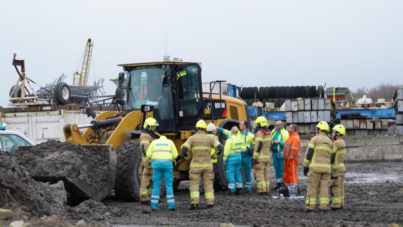 Ongeluk met shovel op bouwplaats Hoorn