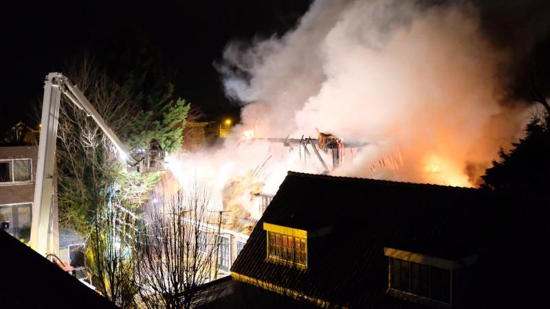 Brand verwoest woonboerderij Alkmaar