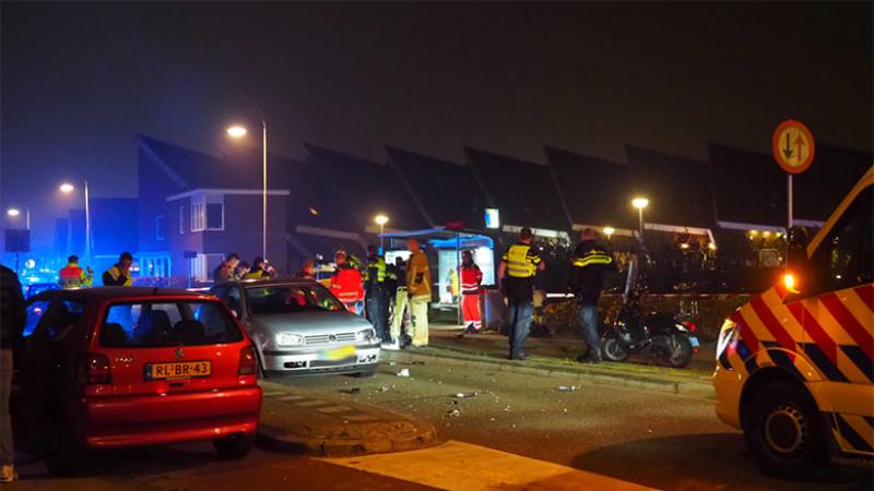Motorrijder overleden na botsing met auto bij Oostzaan.