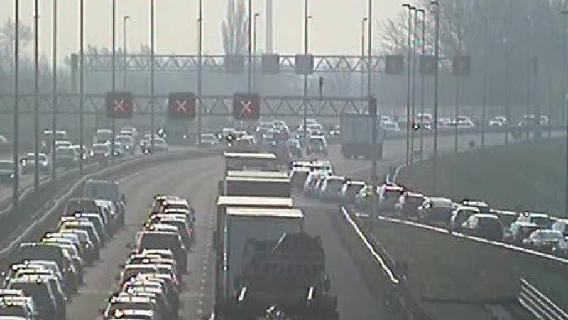 Weg weer vrij na groot ongeluk op A9, vertraging neemt af.