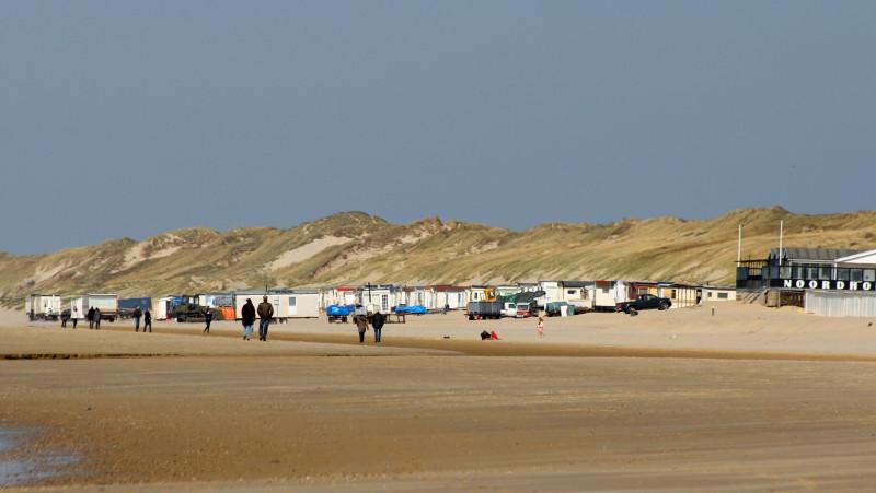 Strandhuisjes vullen de stranden