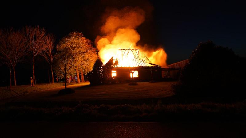 Grote brand in vrijstaande woning Berkhout