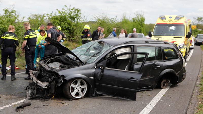 Twee gewonden bij ernstig ongeluk in Overveen.