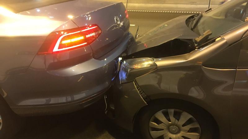 Ongeluk in Coentunnel zorgt voor drukte bij Amsterdam.