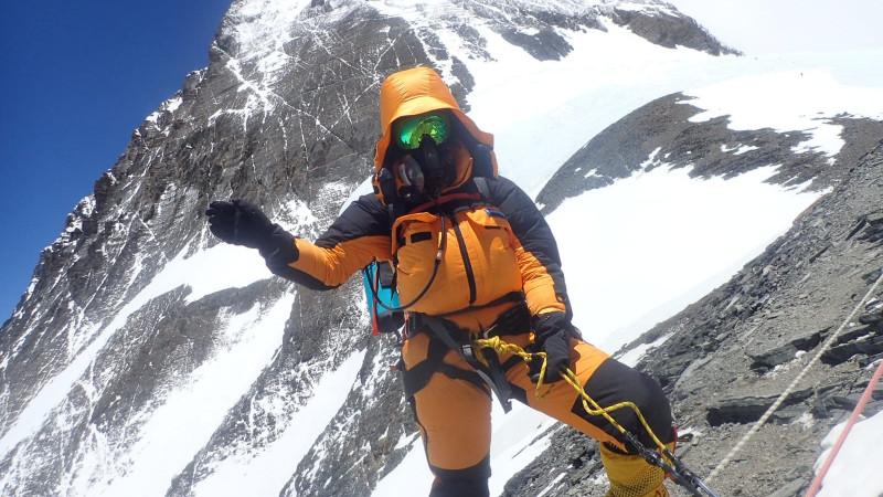 Daphne de Jong tijdens haar klim naar de top van de Mount Everest