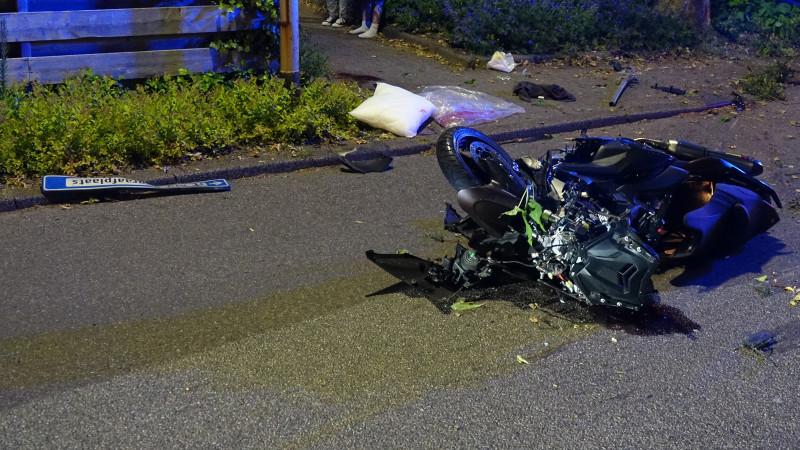 Zwaar ongeluk met motorrijder in Noord-Scharwoude.