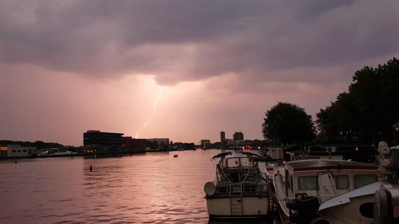 Onweer boven Haarlem