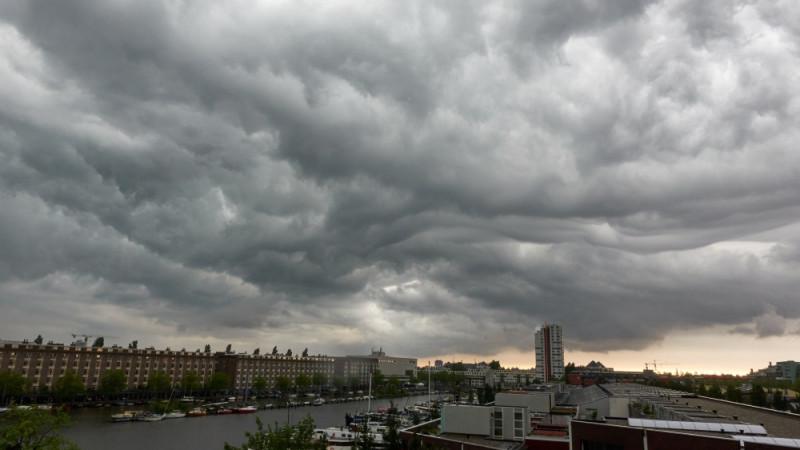 wolken amsterdam