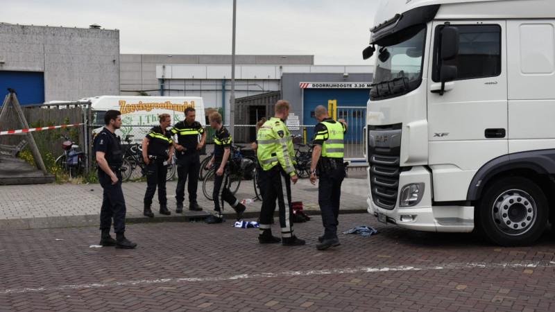 Fietser zwaargewond bij aanrijding IJmuiden