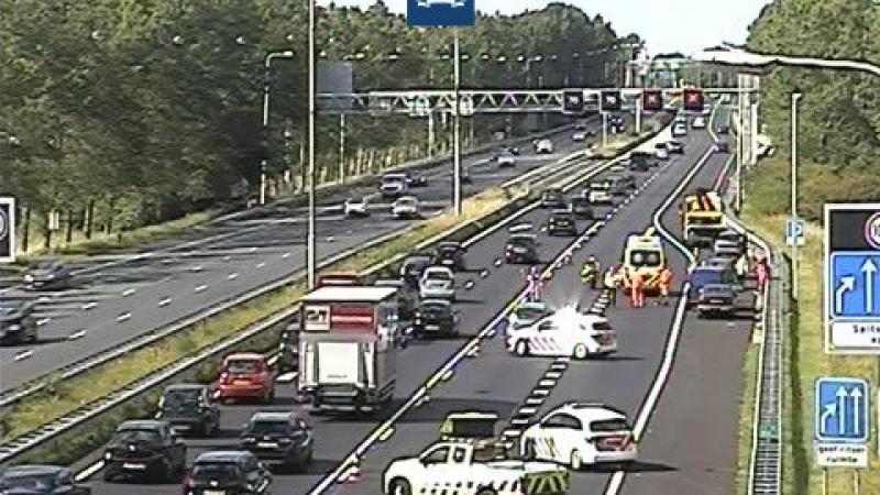 Verkeerschaos door ongeluk A9 bij Akersloot: meerdere files richting Alkmaar.