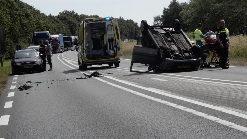 Drie autos crashen bij ongeluk op Alkmaarse ringweg.