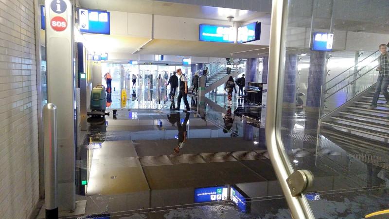 Station Hilversum blank