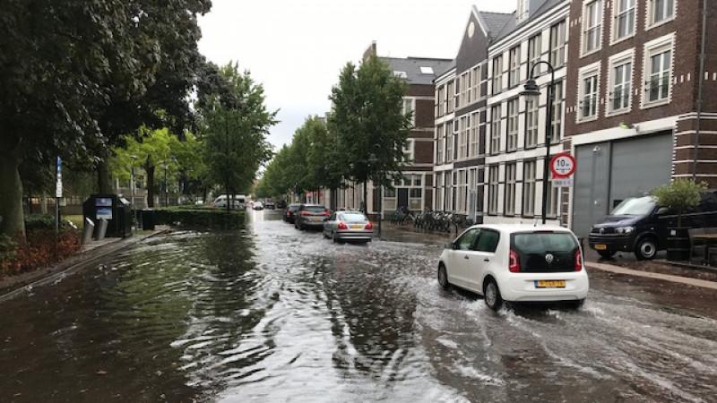 Landstraat Bussum wateroverlast