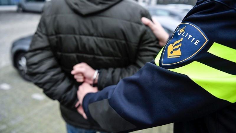 Beschonken automobilist uit Hoorn aangehouden voor doorrijden na een ongeluk.