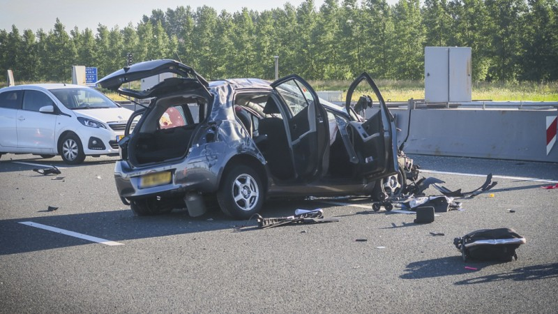 Meerdere gewonden na ongeluk A9, Wijkertunnel dicht.