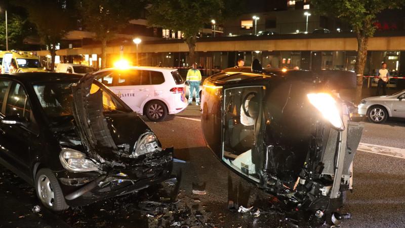 Ravage bij ongeluk in Amsterdam-Osdorp.