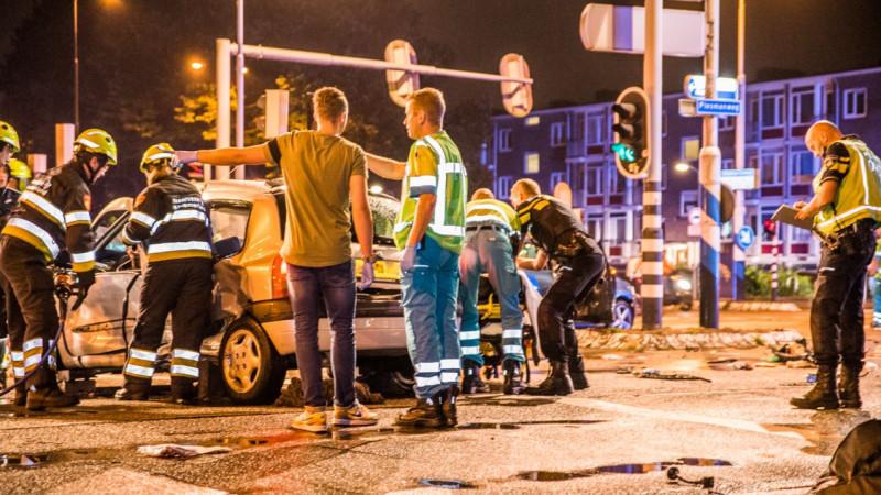 Zwaargewonde bij botsing tussen twee scooters op IJsselbrug Zwolle.