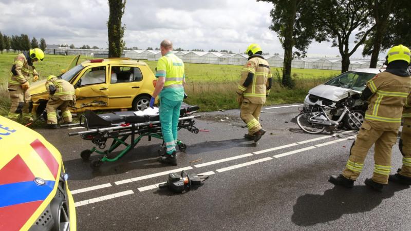 Twee gewonden bij frontale botsing op N242 bij Heerhugowaard.
