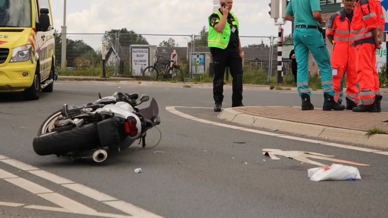 Motorrijder gewond bij ongeluk Ouderkerk aan de Amstel.