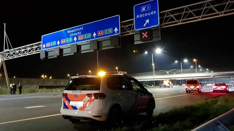 Politie-achtervolging mondt uit in groot ongeluk op A2: meerdere gewonden.