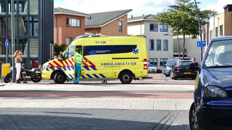 Motorrijder gewond na botsing in Assendelft.