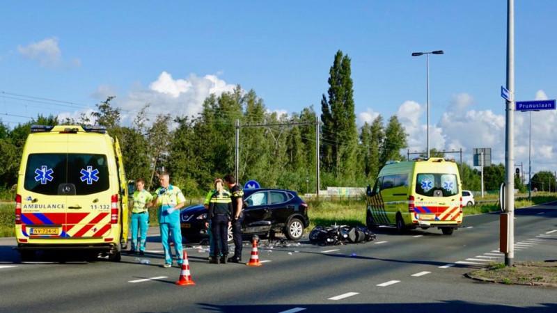Motorrijder overleden na ongeluk op kruispunt Zaandijk.