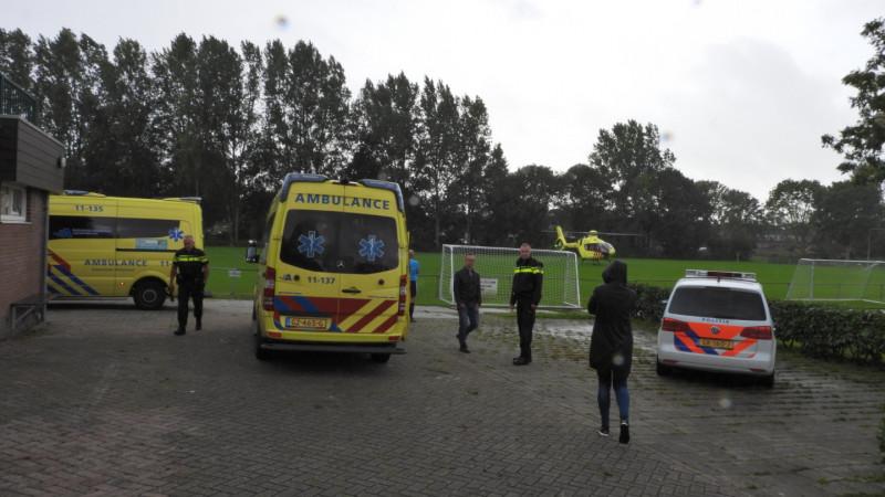 Man gestoken door wesp bij voetbalclub Edam