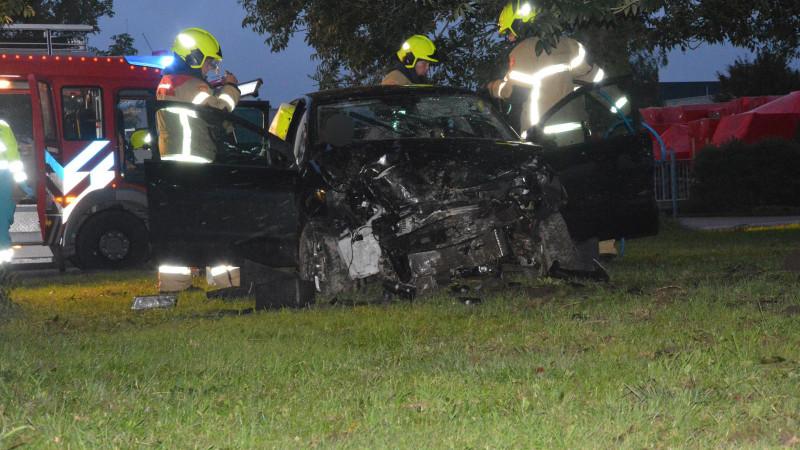 Bijrijder gewond bij eenzijdig ongeluk Wieringerwerf.