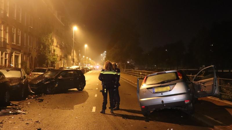 Dronken bestuurder veroorzaakt ongeluk in Amsterdam: drie gewonden.